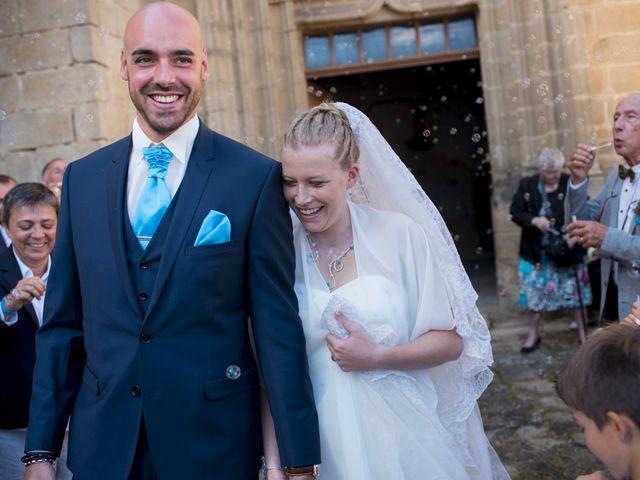 Le mariage de Jean-Philippe et Claire à Saint-Dier-d'Auvergne, Puy-de-Dôme 24