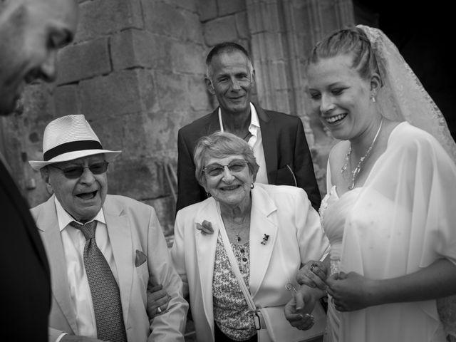 Le mariage de Jean-Philippe et Claire à Saint-Dier-d'Auvergne, Puy-de-Dôme 26
