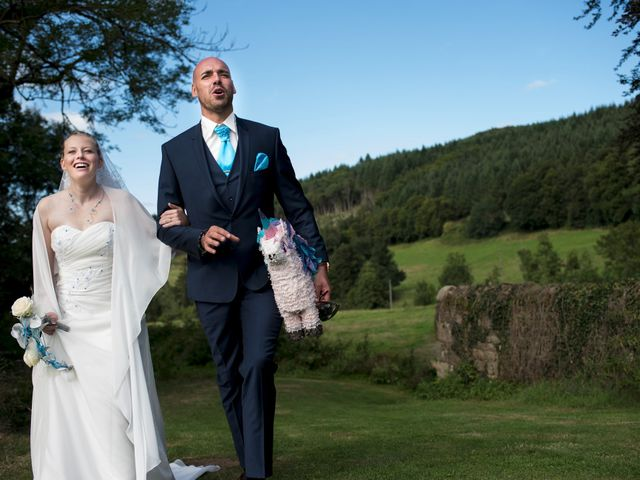 Le mariage de Jean-Philippe et Claire à Saint-Dier-d'Auvergne, Puy-de-Dôme 28