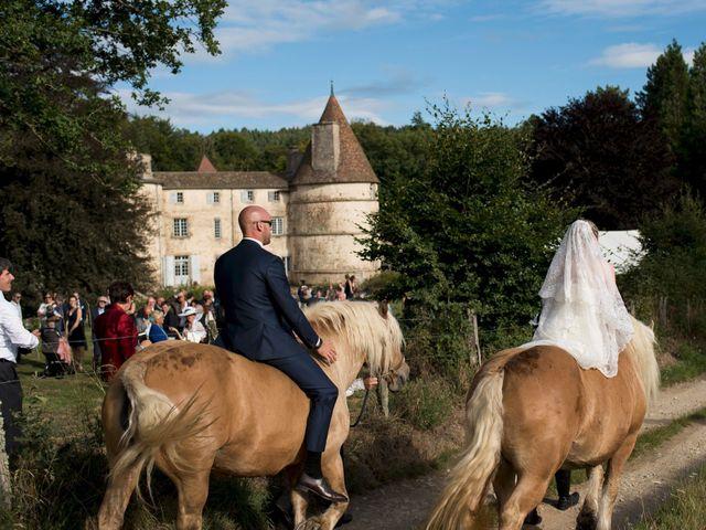 Le mariage de Jean-Philippe et Claire à Saint-Dier-d'Auvergne, Puy-de-Dôme 2