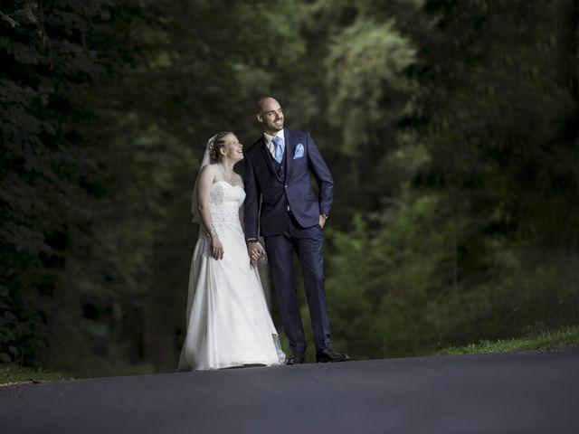 Le mariage de Jean-Philippe et Claire à Saint-Dier-d'Auvergne, Puy-de-Dôme 38