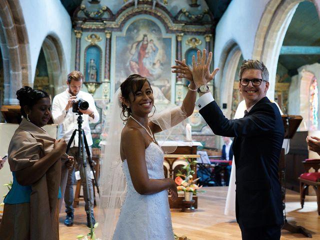 Le mariage de Christophe et Amanda à Larmor-Plage, Morbihan 42
