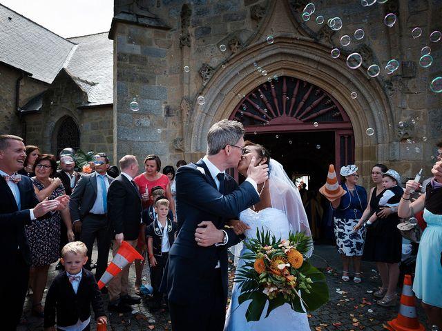 Le mariage de Christophe et Amanda à Larmor-Plage, Morbihan 48
