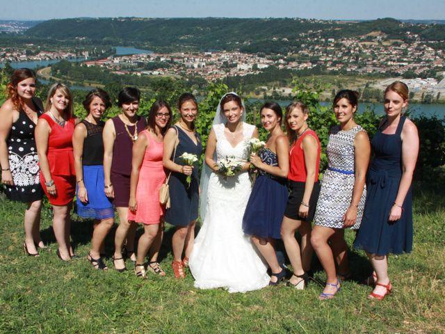 Le mariage de Noémie et Loïc à Saint-Michel-sur-Rhône, Loire 72