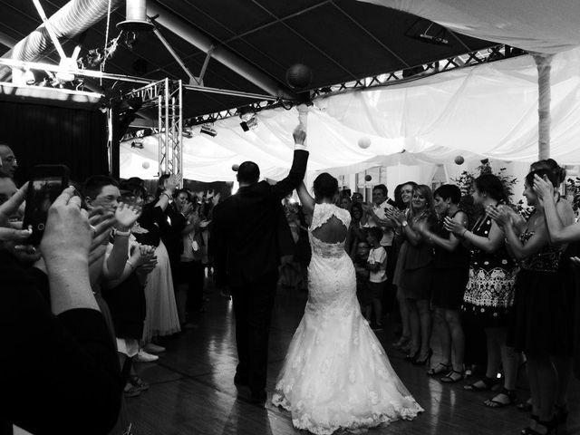 Le mariage de Noémie et Loïc à Saint-Michel-sur-Rhône, Loire 83