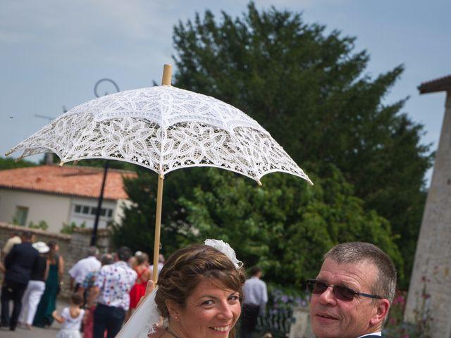Le mariage de Mathieu et Amandine à Plassac, Charente Maritime 8