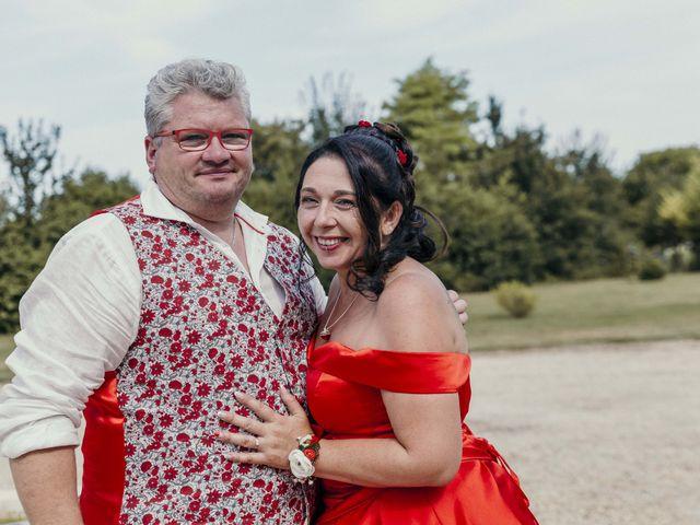 Le mariage de Eric et Christelle à Cognac, Charente 13