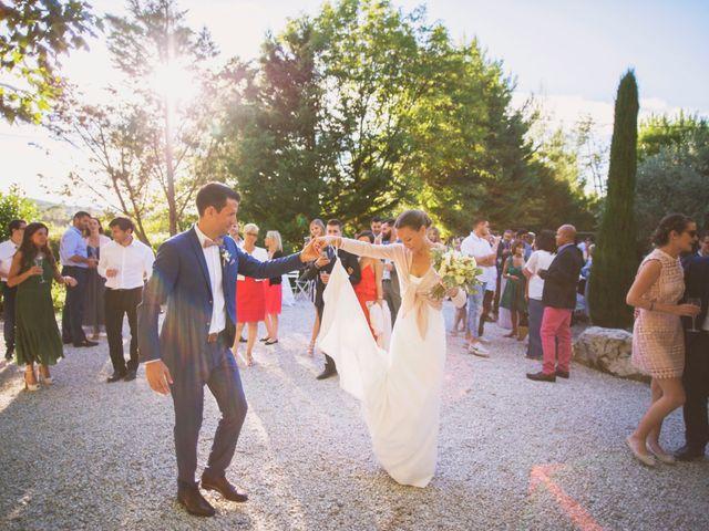 Le mariage de Benjamin et Claire à Châteauneuf-de-Gadagne, Vaucluse 32