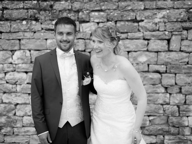 Le mariage de Jeremy et Angélique  à Meursault, Côte d'Or 4