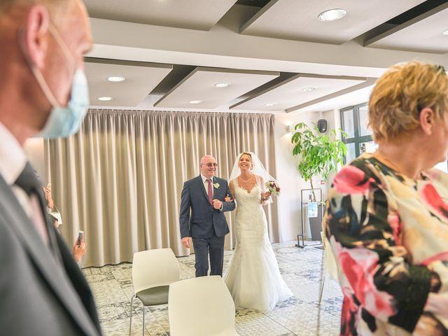Le mariage de Clément et Aurélie à Changé, Sarthe 23
