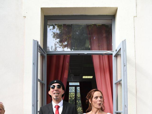 Le mariage de Joe et Séverine à Piolenc, Vaucluse 12