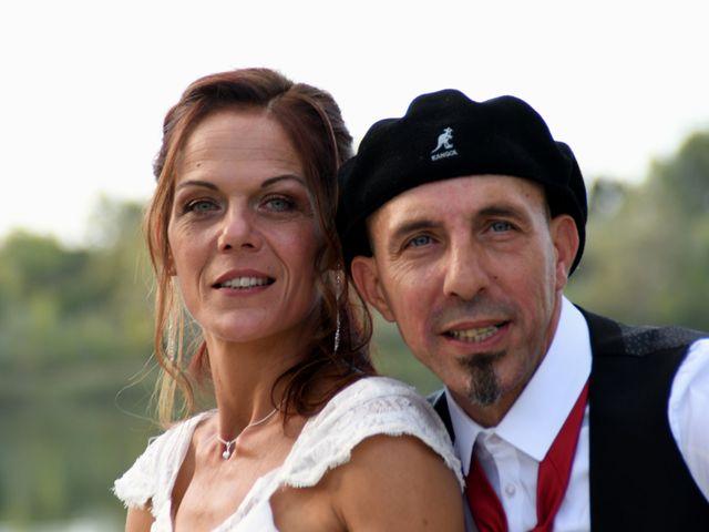 Le mariage de Joe et Séverine à Piolenc, Vaucluse 23