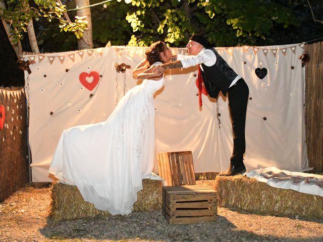 Le mariage de Joe et Séverine à Piolenc, Vaucluse 27