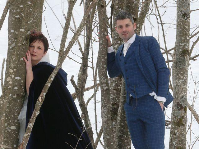 Le mariage de Guillaume et Cécilia à Saint-André-le-Gaz, Isère 44
