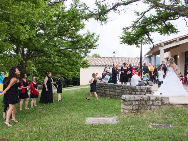 Le mariage de Vincent et Cindy à Veynes, Hautes-Alpes 69