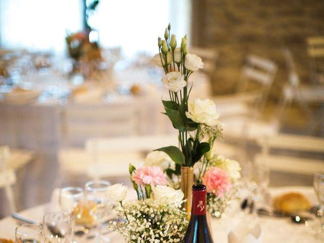 Le mariage de Yoann et Emilie à Maillane, Bouches-du-Rhône 18