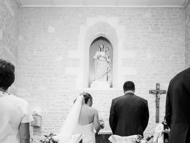 Le mariage de Vincent et Marlène à LE GOND PONTOUVRE , Charente 7