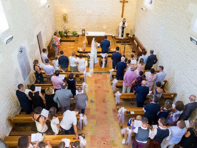 Le mariage de Vincent et Marlène à LE GOND PONTOUVRE , Charente 8