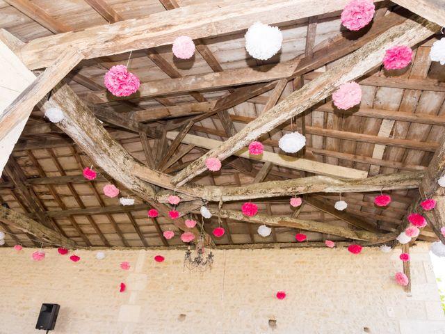 Le mariage de Vincent et Marlène à LE GOND PONTOUVRE , Charente 14