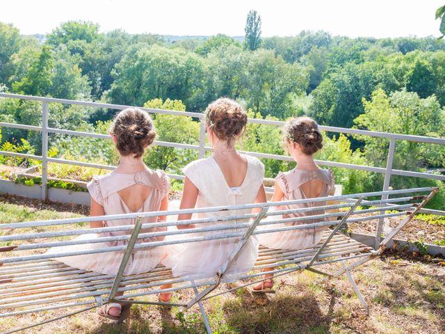Le mariage de Vincent et Marlène à LE GOND PONTOUVRE , Charente 40