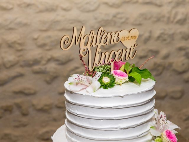 Le mariage de Vincent et Marlène à LE GOND PONTOUVRE , Charente 80
