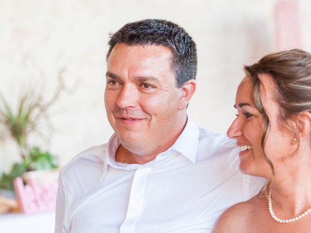 Le mariage de Vincent et Marlène à LE GOND PONTOUVRE , Charente 82