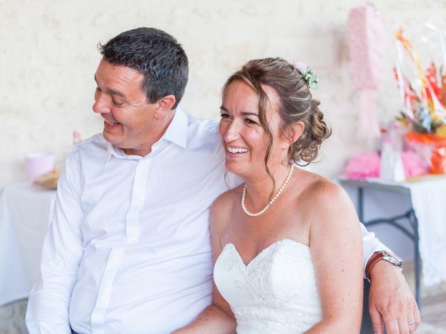 Le mariage de Vincent et Marlène à LE GOND PONTOUVRE , Charente 85