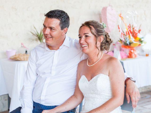 Le mariage de Vincent et Marlène à LE GOND PONTOUVRE , Charente 86