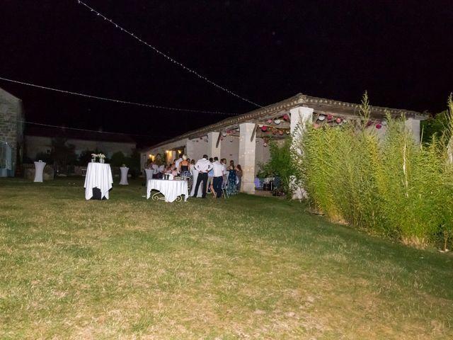 Le mariage de Vincent et Marlène à LE GOND PONTOUVRE , Charente 102