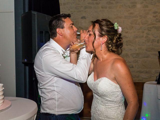Le mariage de Vincent et Marlène à LE GOND PONTOUVRE , Charente 116