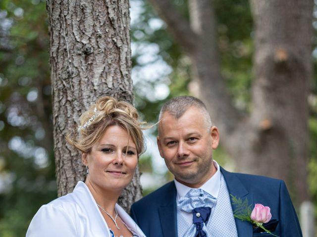 Le mariage de Ludovic et Valérie à Le Val-David, Eure 5