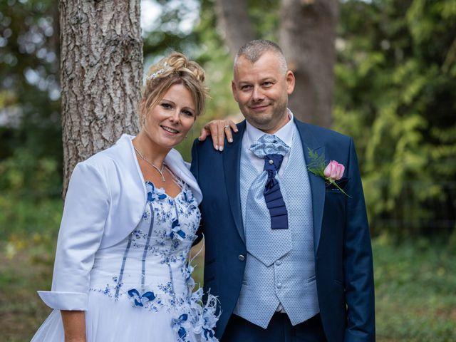 Le mariage de Ludovic et Valérie à Le Val-David, Eure 2
