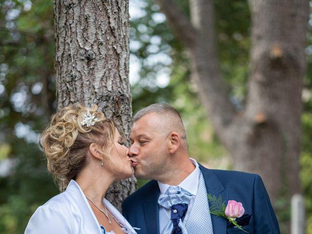 Le mariage de Ludovic et Valérie à Le Val-David, Eure 8