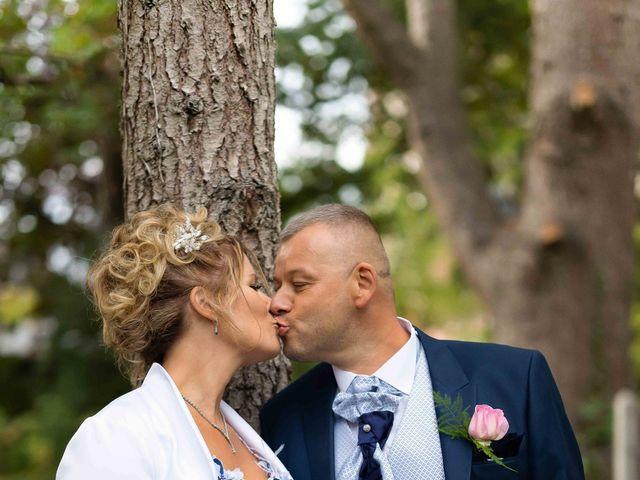 Le mariage de Ludovic et Valérie à Le Val-David, Eure 23