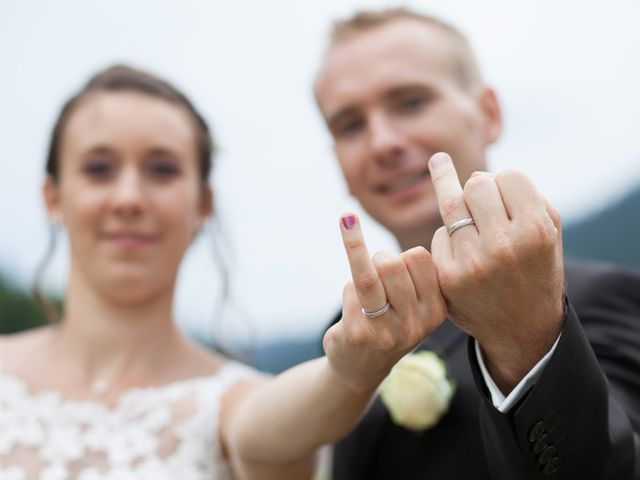 Le mariage de Julien et Caroline à Autrans, Isère 29