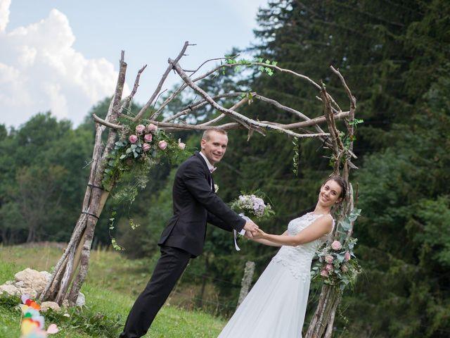 Le mariage de Julien et Caroline à Autrans, Isère 2