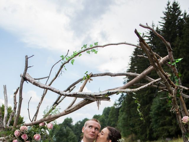 Le mariage de Julien et Caroline à Autrans, Isère 33