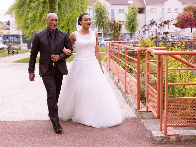 Le mariage de Thomas et Elodie à Nailly, Yonne 4