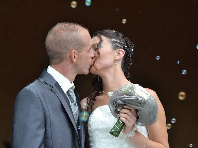 Le mariage de Thomas et Sandy à Coëtmieux, Côtes d'Armor 2