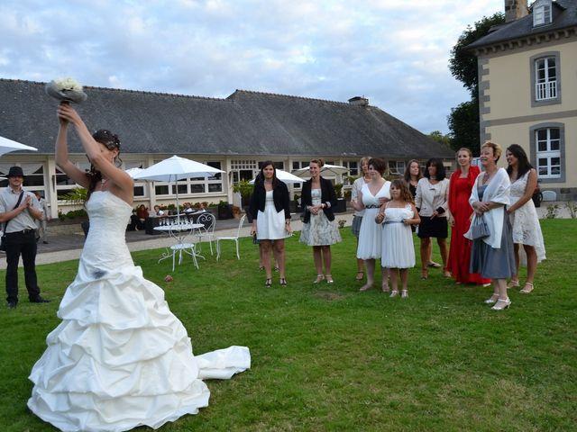 Le mariage de Thomas et Sandy à Coëtmieux, Côtes d'Armor 13
