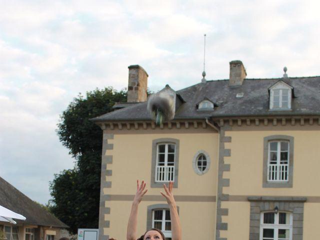 Le mariage de Thomas et Sandy à Coëtmieux, Côtes d'Armor 14