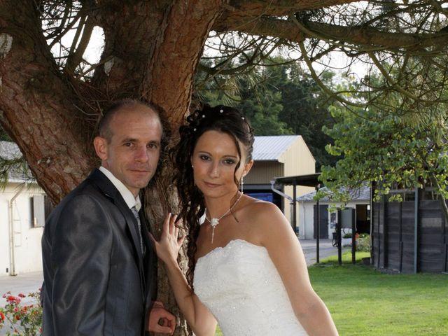 Le mariage de Thomas et Sandy à Coëtmieux, Côtes d'Armor 19