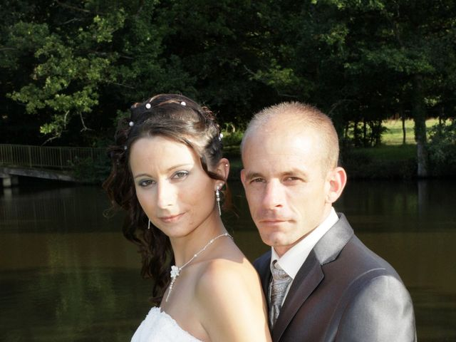 Le mariage de Thomas et Sandy à Coëtmieux, Côtes d'Armor 25