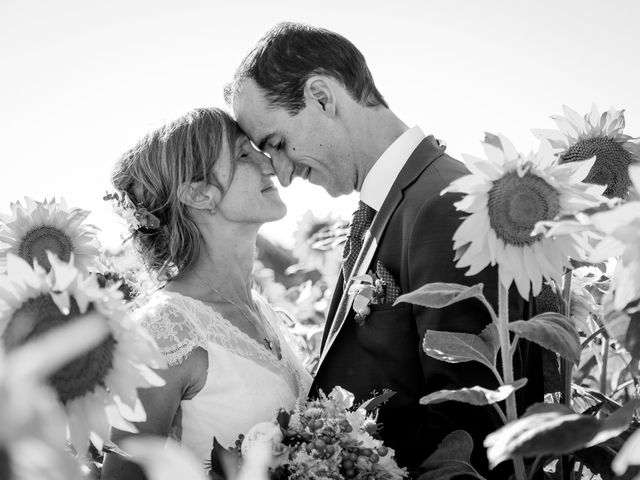 Le mariage de Yvan et Annelise à Benon, Charente Maritime 64