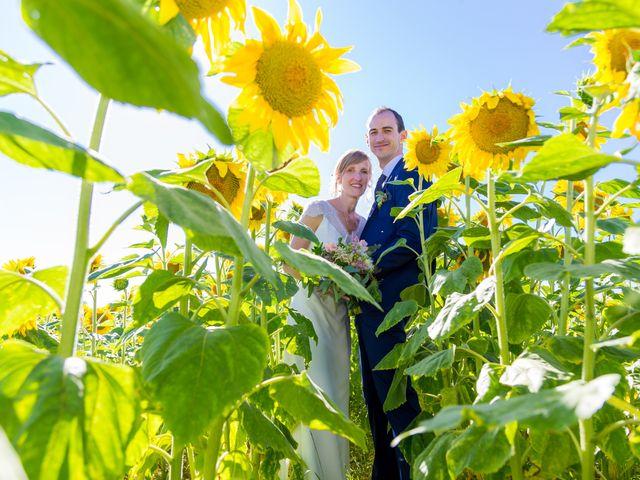 Le mariage de Yvan et Annelise à Benon, Charente Maritime 65