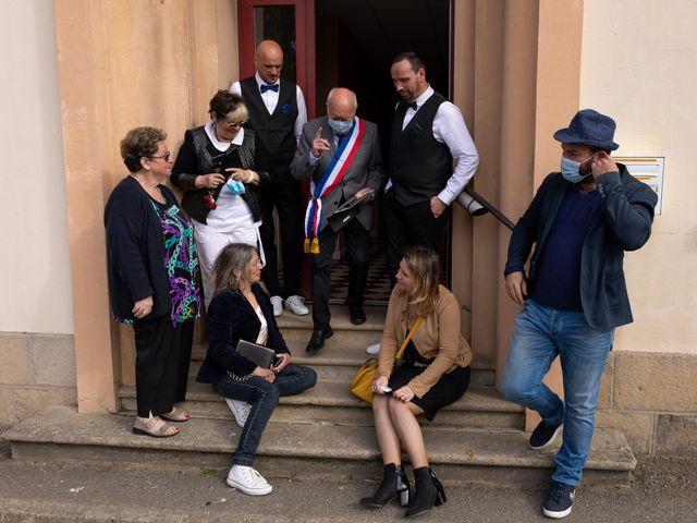 Le mariage de Sylvain et Jean à Roudouallec, Morbihan 12