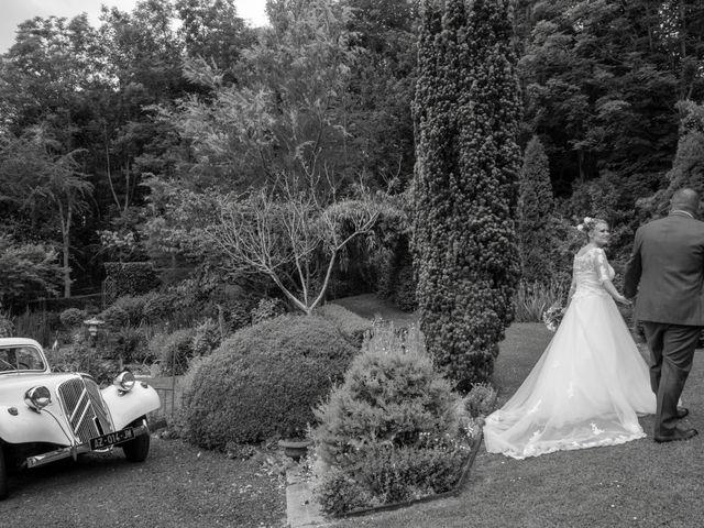 Le mariage de Arnaud et Flavie à Vimoutiers, Orne 16