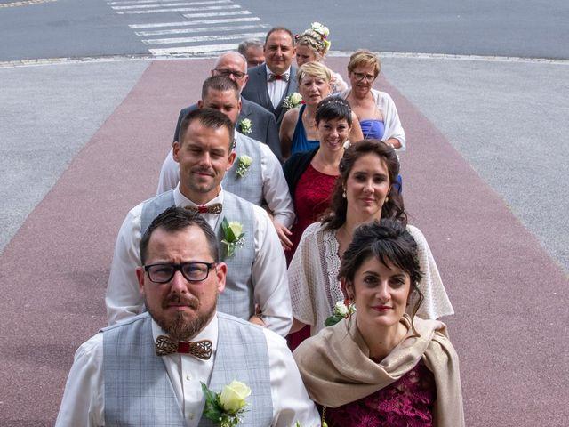 Le mariage de Arnaud et Flavie à Vimoutiers, Orne 23
