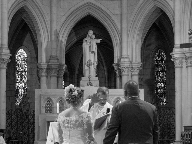 Le mariage de Arnaud et Flavie à Vimoutiers, Orne 25