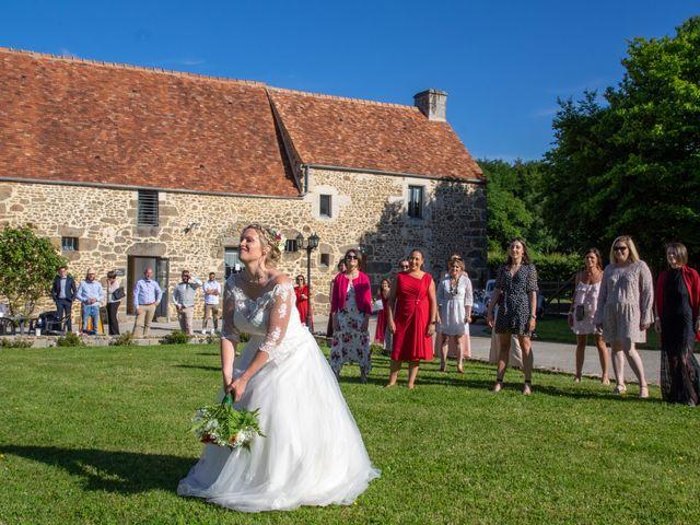 Le mariage de Arnaud et Flavie à Vimoutiers, Orne 28